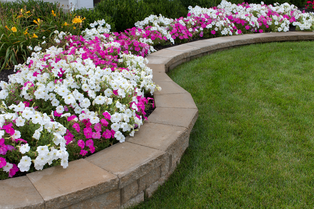 Construire un muret de jardin